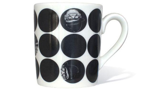 Oikeaoppisin astia Kekkosen kahvin juomiselle on tietenkin Kekkos-muki.