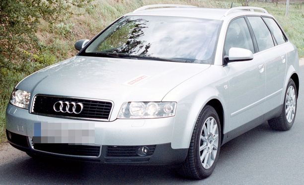 Syytteistä vapautettu mies kuljetti kuvan esittelyauton kaltaista vuosituhannen vaihteen Audia.
