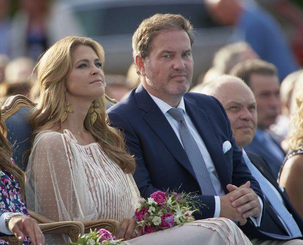Prinsessa Madeleinea ja herra Chris O'Neillia nähdään jatkossa harvakseltaan Ruotsissa.