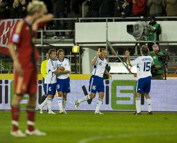 Jonatan Johansson vei isännät 1-0-johtoon 32 peliminuutin jälkeen.