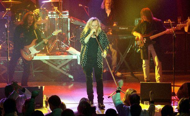 Uriah Heep esiintyi Helsingin Nosturissa vuonna 2000.