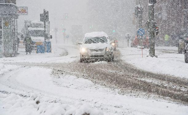 Lumi on aiheuttanut hämmennystä Etelä-Suomessa. Arkistokuva.