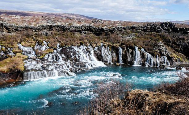 Yksi Islannin suosituimmista luontokohteista on Gullfossin näyttävä vesiputous.