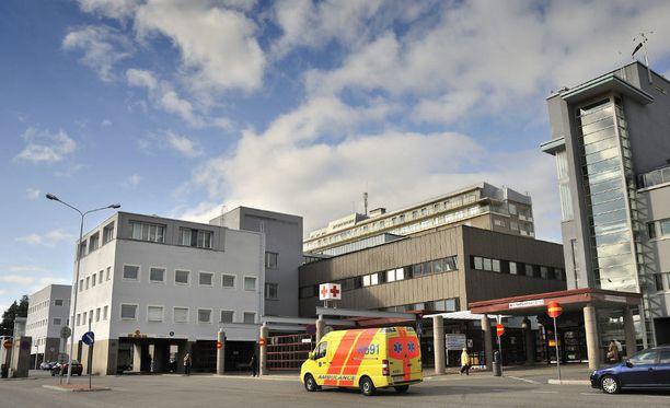 Vakavasti loukkaantunut 16-vuotias kuljetettiin Kuopion yliopistolliseen sairaalaan. Tehohoidosta huolimatta poika halvaantui, ehkä pysyvästi.