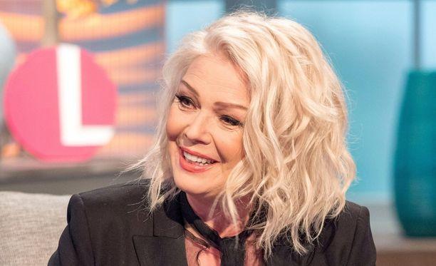 Kim Wilde kertoi TV-haastattelussa, ettei ole turvautunut kirurgisiin operaatioihin ylläpitääkseen nuorekasta olemusta.