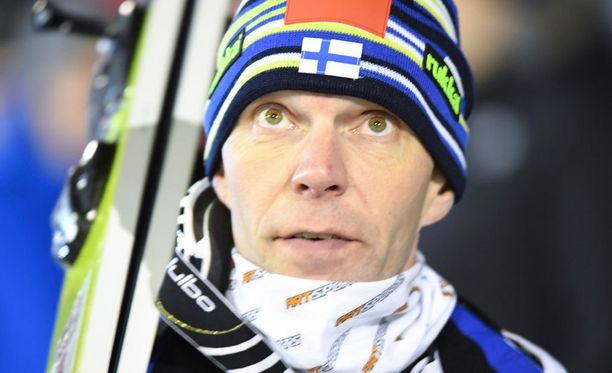 Janne Ahonen on Suomen lipunkantaja.