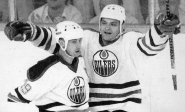 Tiesitkö, että Esa Tikkanen pelasi ensimmäisenä NHL-keväänään numerolla 14?