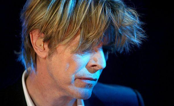 David Bowie nukkui pois 69-vuotiaana. Kuvassa Bowie keikalla Sveitsissä vuonna 2002.