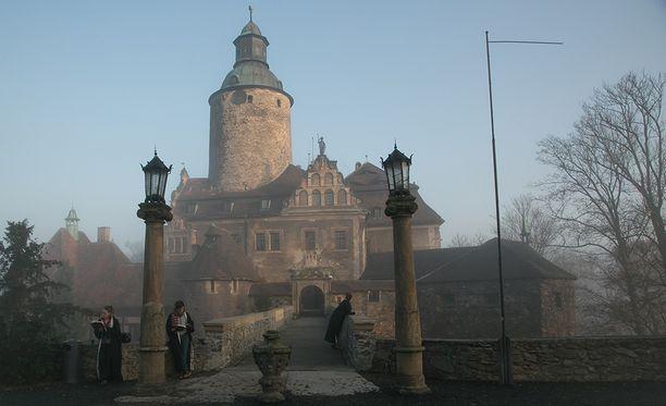 Taikakoulu toimii Czochan linnassa Lesnassa Puolassa.