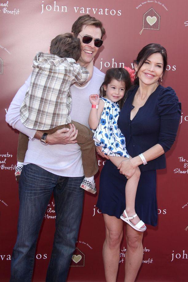 Patrick Whitesell ja Lauren Sanchez lastensa kanssa arkistokuvassa.