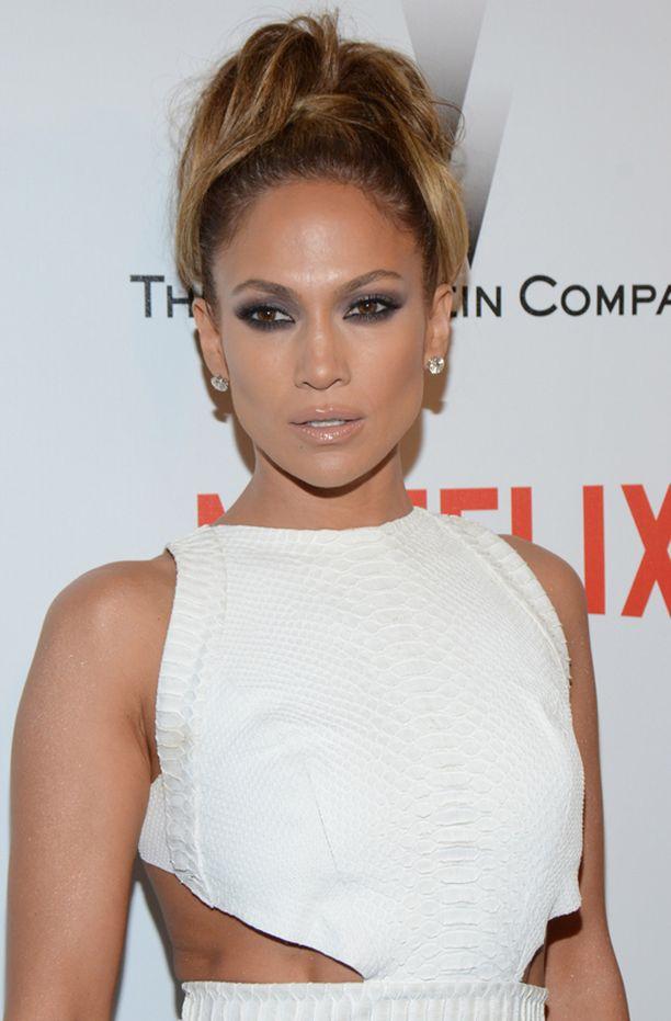 Jennifer Lopez pyörtää puheitaan American Idolissa.