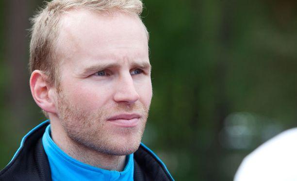 Mika Poutala tähtää maailmancupissa kolmen parhaan joukkoon.