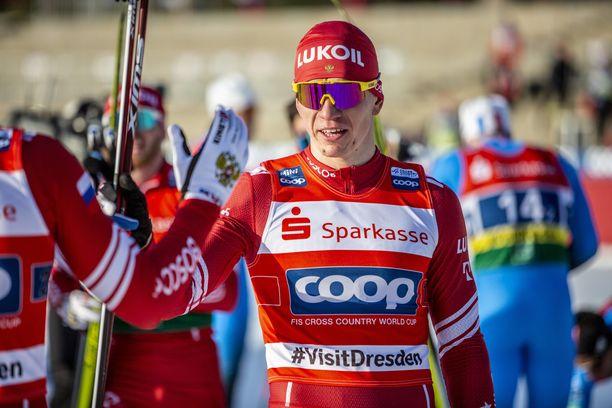 Aleksandr Bolshunov voitti lauantain kilpailun.