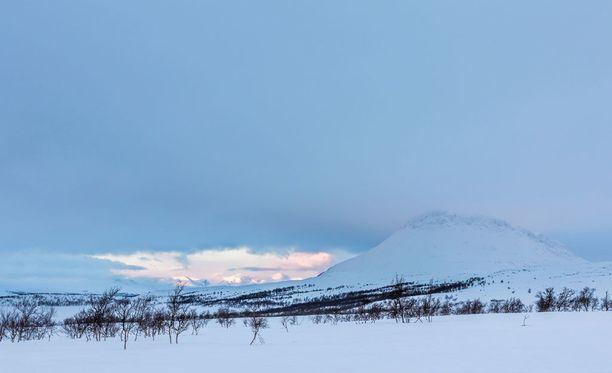 Kilpisjärvellä voi nyt nauttia lauhasta talvisäästä.