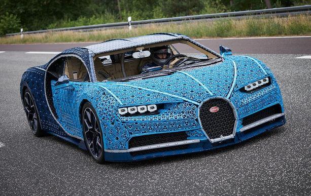 Tällä Lego-autolla pystyy oikeasti ajamaan.