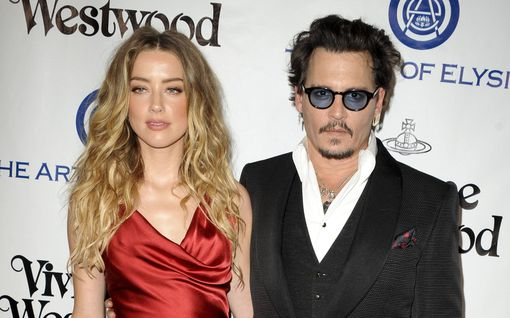 Amber Heardilta painavia syytöksiä Johnny Deppiä vastaan – oikeudessa kuultiin karmeita yksityiskohtia ex-suhteesta