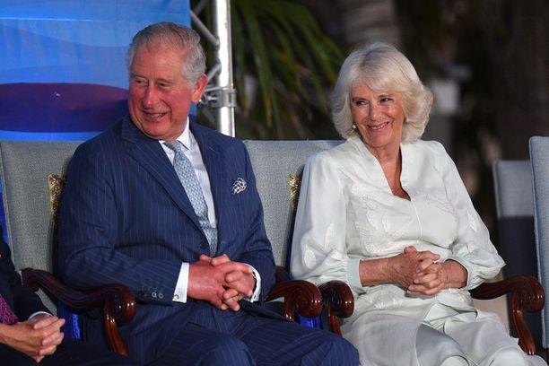 Prinssi Charles ja herttuatar Camilla tulevat hyvin toimeen prinssi Harryn puolison kanssa. Kuva prinssi Charlesin ja herttuatar Camillan matkalta.