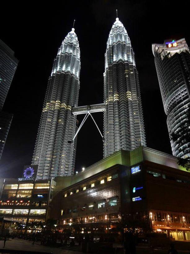 Petronas Twin Towersissa on tekemistä lapsillekin.