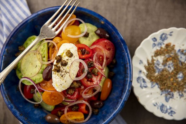 Tällä kertaa kreikkalaisen salaatin feta on moussemainen.