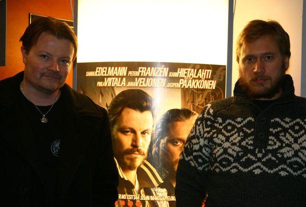 Parrakas Samuli mainosti Rööperi-elokuvaa vuonna 2008.