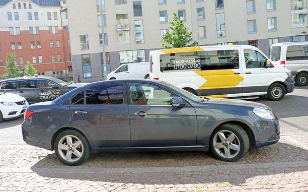 Yksi näkökulma Uber-autoksi - 9 vuoden ikäinen Chevrolet Epica.