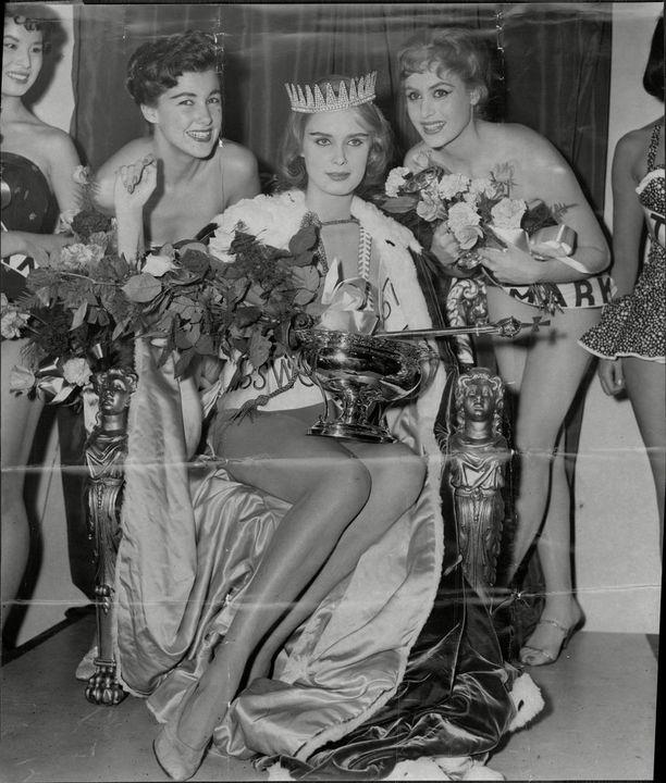 Marita Lindahl kruunattiin Miss Maailmaksi vuonna 1957. Vuonna 1951 perustettu kauneuskilpailu on maailman vanhin yhä toiminnassa oleva kansainvälinen kauneuskisa.