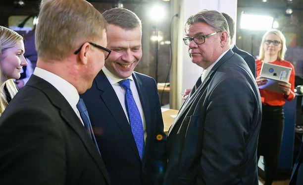 Puheenjohtaja Timo Soini myönsi sunnuntaina vaalitappion rehdisti.