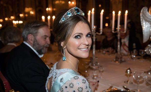 Prinsessa Madeleine edusti hehkeänä isänsä Kaarle Kustaan isännöimällä valtiovierailulla helmikuussa.