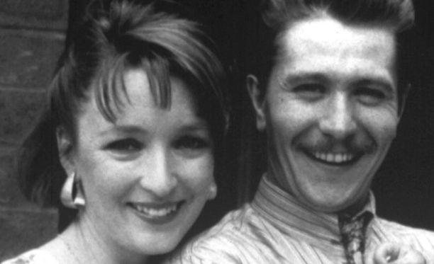 Gary Oldman ja Lesley Manville olivat naimisissa vuodet 1987-1990.