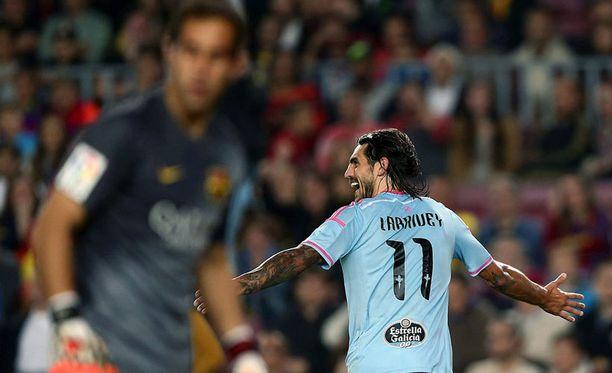 Joaquín Larrivey tuulettaa. Claudio Bravon taika Barcelona-maalilla on katoamassa.