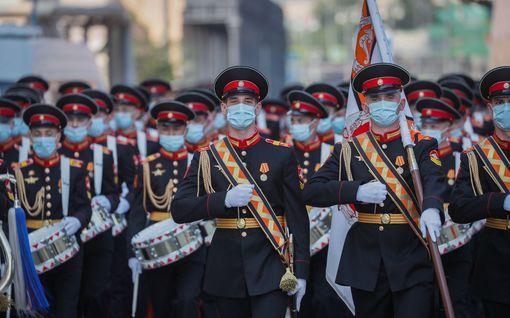 Tuleeko Moskovan voitonpäivänparaatista uusi viruslinko? –Punaisella torilla juhlitaan nyt voittoa natsi-Saksasta
