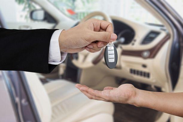 Auton vuokraamiseen liittyy riskejä.