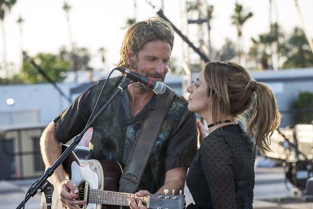 A Star Is Born on romanttinen musikaalielokuva. Elokuvan on ohjannut Bradley Cooper.