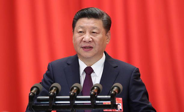 Kolmituntisessa maratonpuheessaan Xi sanoi keskiviikkona, että puolue jatkaa köyhyyden vastaista taistelua ja nollatoleranssia korruptiota kohtaan.