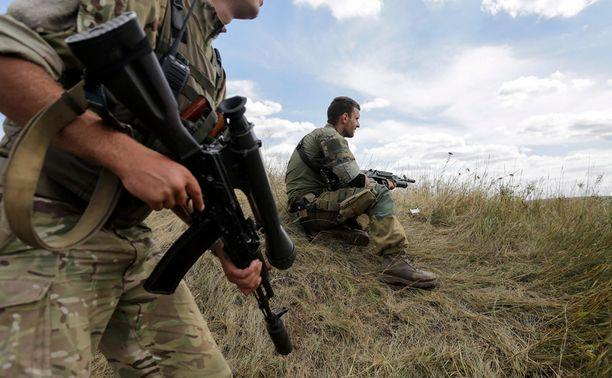 Ukrainan armeijan sotilaita partioimassa Gorlovkassa, Donetskin alueella.