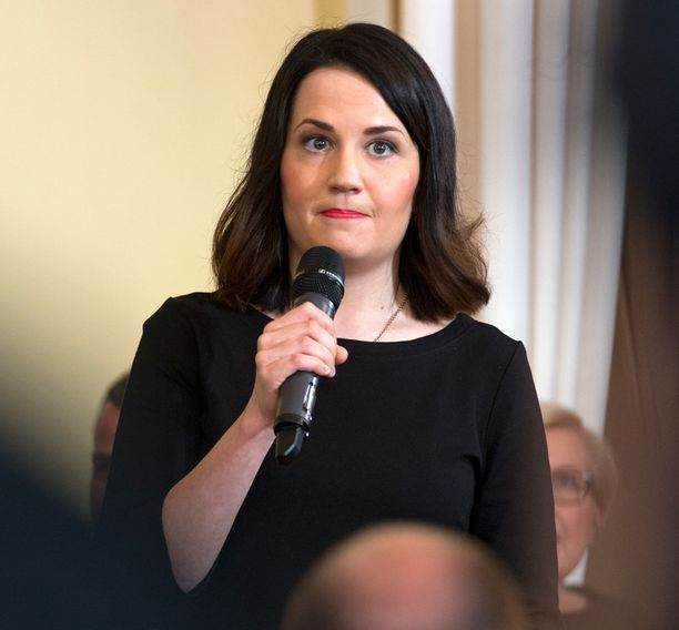 Sanni Grahn-Laasonen aloitti opetusministerinä tänä keväänä.