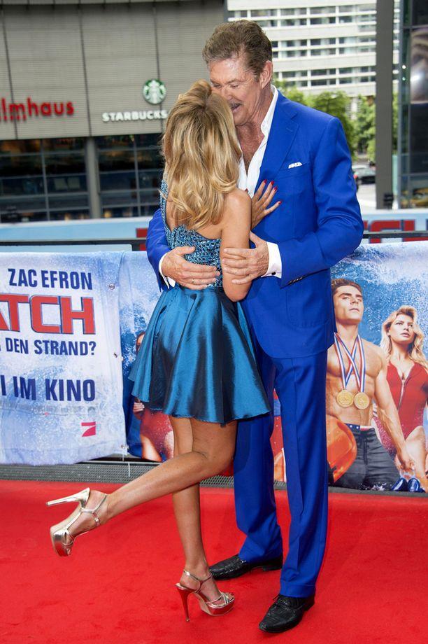 Kaksikko oli pukeutunut sävy sävyyn siniseen.