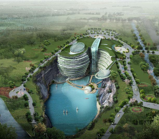 Suurin osa hotellista sijaitsee entisessä louhoksessa maanpinnan alapuolella. Louhoksen pohjalla on tekojärvi.