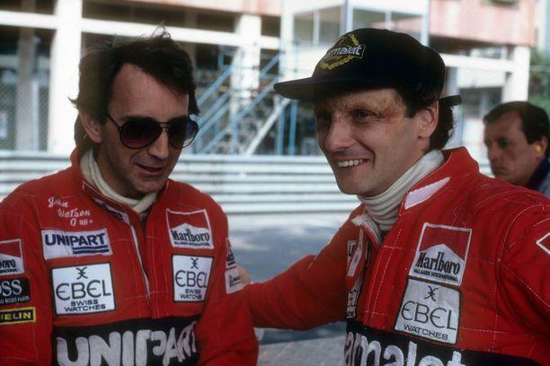 John Watson (vas.) ja Niki Lauda valmistautuivat McLaren-tallikavereina Monacon GP:hen tasan 37 vuotta sitten.