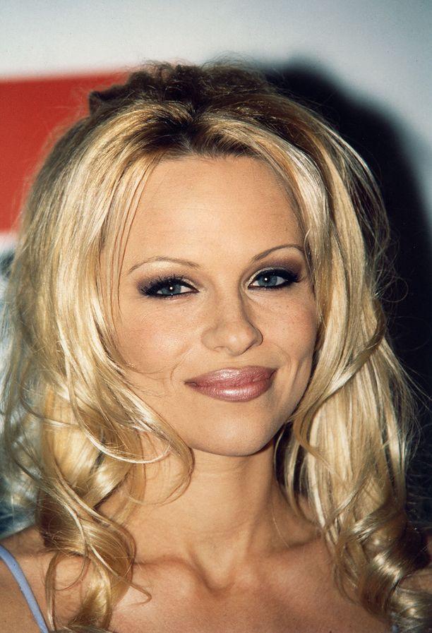 Pamela vuonna 1997