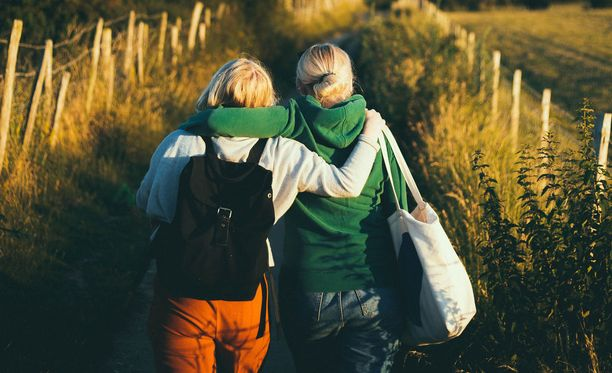 Sosiaaliset suhteet ovat osa elämänlaatua.