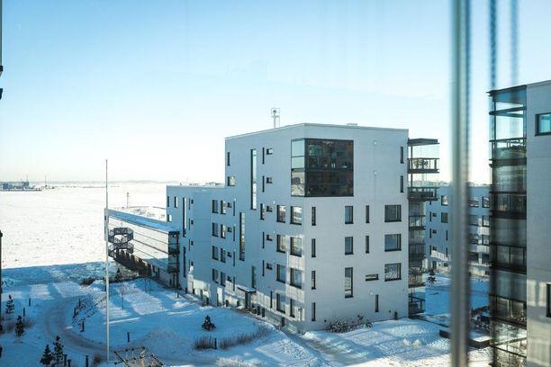 Tämä talo rakennettiin Lauttasaaren Merenkulkijanrannaksi kutsutulle asuinalueelle vuonna 2014.