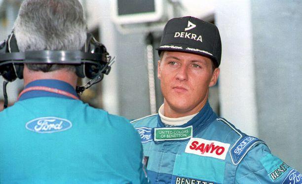 Michael Schumacheria jäi vaivaamaan Benetton-aikaiset palkat.