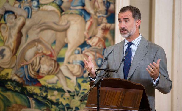 Kuningas Felipe kutsui Katalonian kansanäänestystä epädemokraattiseksi ja laittomaksi.