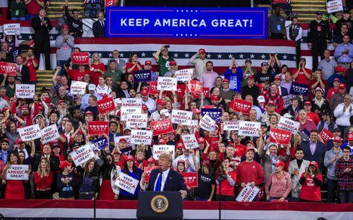 Näkökulma: Trump marssii tällä viikolla voitosta voittoon – Iowan vaalifarssi voi koitua USA:n demokraateille kohtalokkaaksi