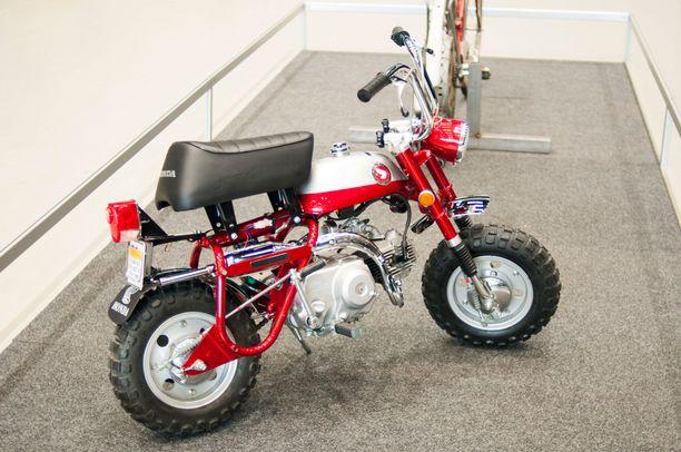 1960-luvun Honda Monkey suunniteltiin aikoinaan japanilaisten huvipuistojen hulluttelulaitteeksi.
