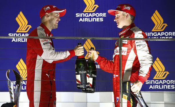 Sebastian Vettel jätti Kimi Räikkösen varjoonsa Singaporessa.