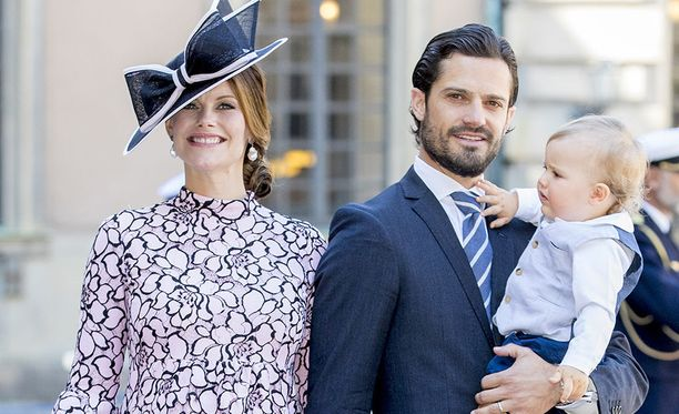Prinsessa Sofia ja perheen uusin tulokas pääsivät kotiin sairaalasta perjantaina. Lauantaina perhe jätti prinsessa Victorian yllätysjuhlat väliin tutustuakseen Gabrieliin.