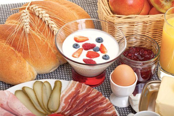 Huolehdi jo aamusta, että saat tarpeeksi proteiinia esimerkiksi kananmunan ja jugurtin muodossa.