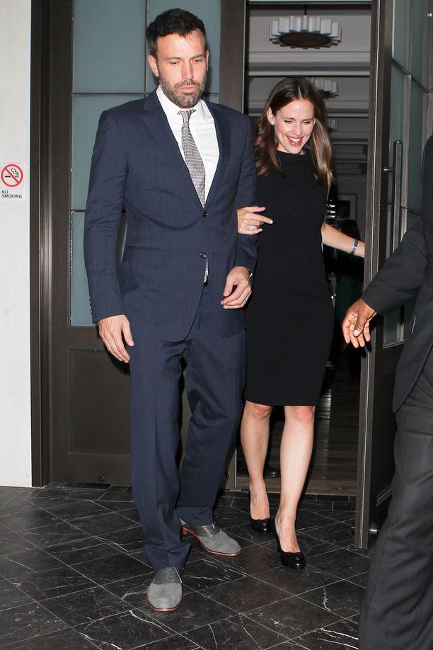 Ben Affleckin ja Jennifer Garnerin rakkaus roihahti vuonna 2003 Daredevil-elokuvan kuvauksissa. Pari ilmoitti erostaan kesällä 2015.